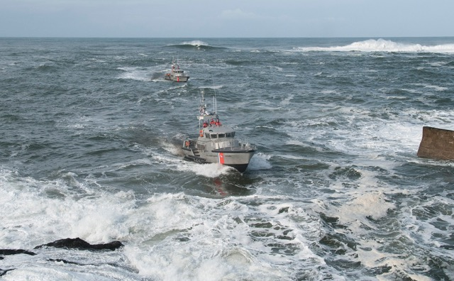 Coast Guard Depoe Bay training at the jaws. Roy Lowe photos