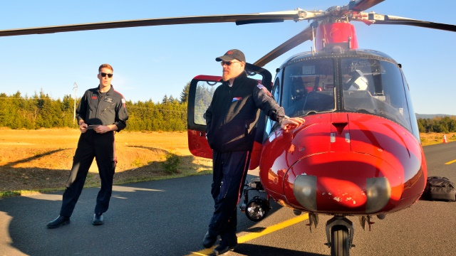 Flight paramedic Pat Corran (left) and Pilot Bryan Bowan (right).