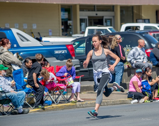 The runners before the main event...Bill Posner photos