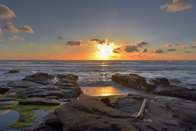 Yachats Sunset with a new view... Ken Gagne photop