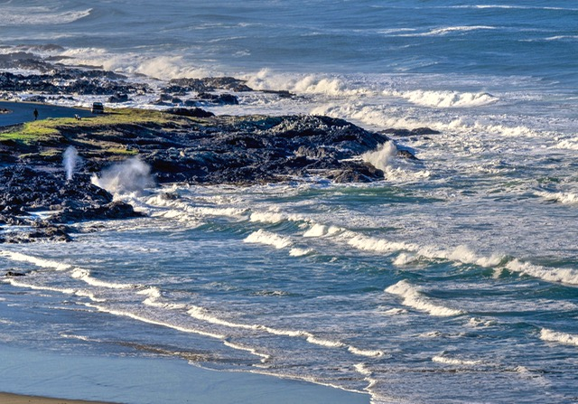 Yachats Bay with Blow Hole open for business! Ken Gagne photo