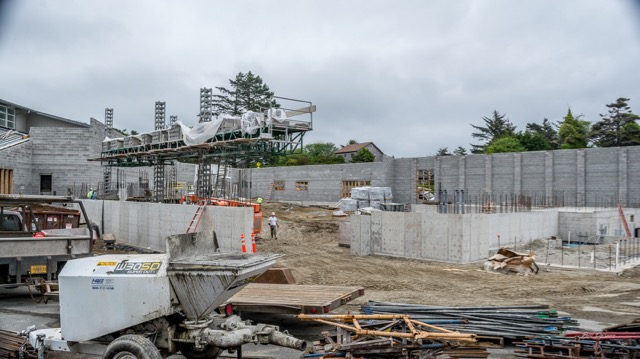 Things cookin right along with building newport s new aquatic center news lincoln county for Newport swimming pool schedule