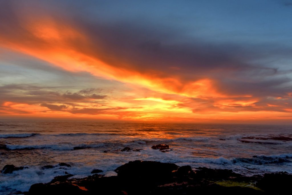 Yachats sunset with a rare configuration of light and clouds. Ken Gagne photo