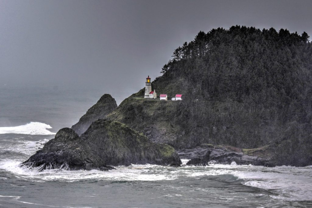 Heceta Head Lighthouse is OFF.  Should have it fixed tomorrow, Friday Ken Gagne photo