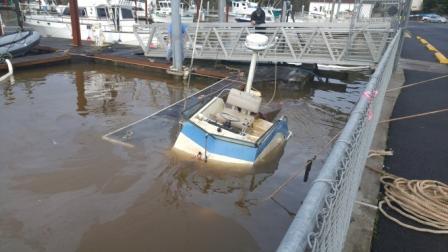Boat fills with rain water and sinks in depoe bay harbor for Lincoln city fishing charters