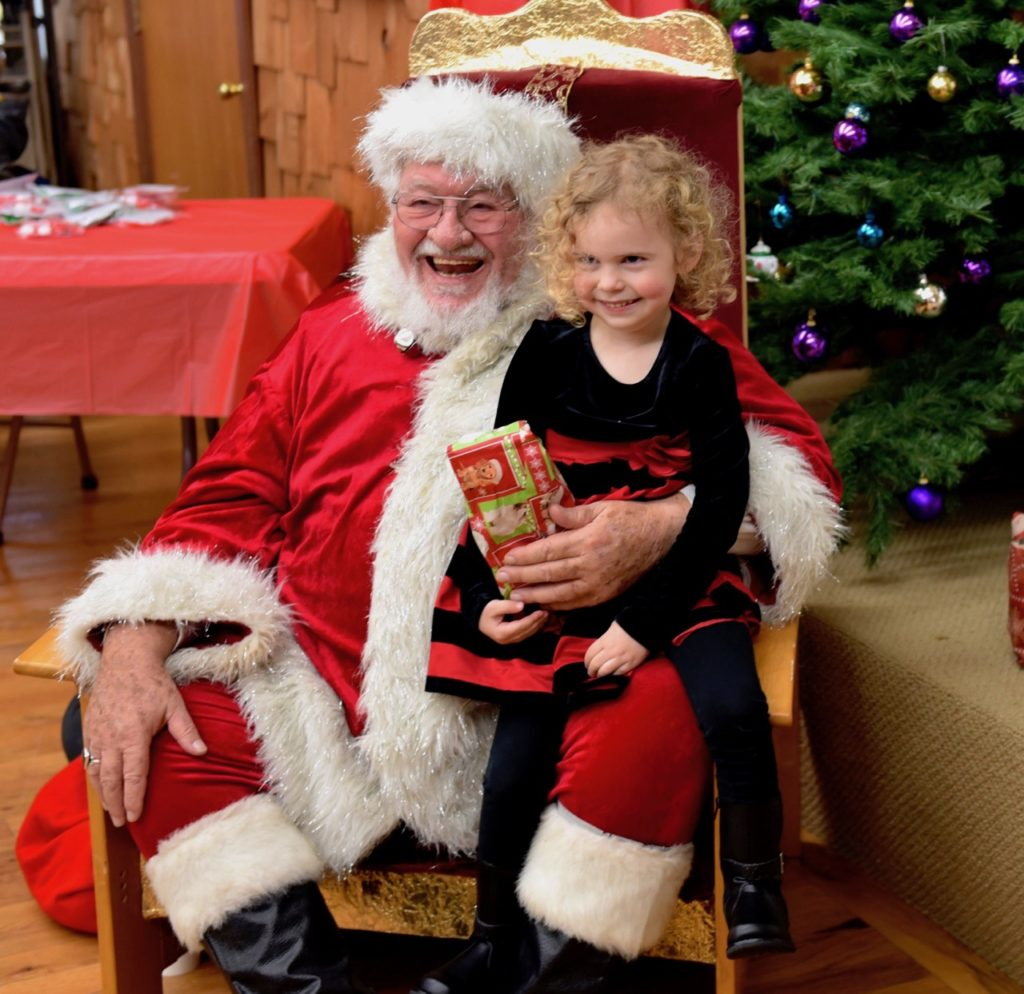 Santa entertains the little ones at Yachats Lions Club Breakfast with Santa. Ken Gagne photo