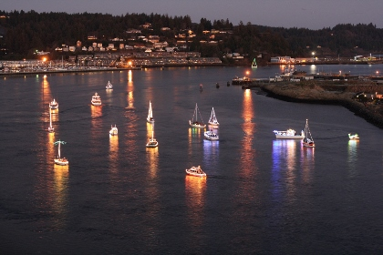 Lighted Boat Parade Yaquina Bay, Newport Starts 5:00 pm